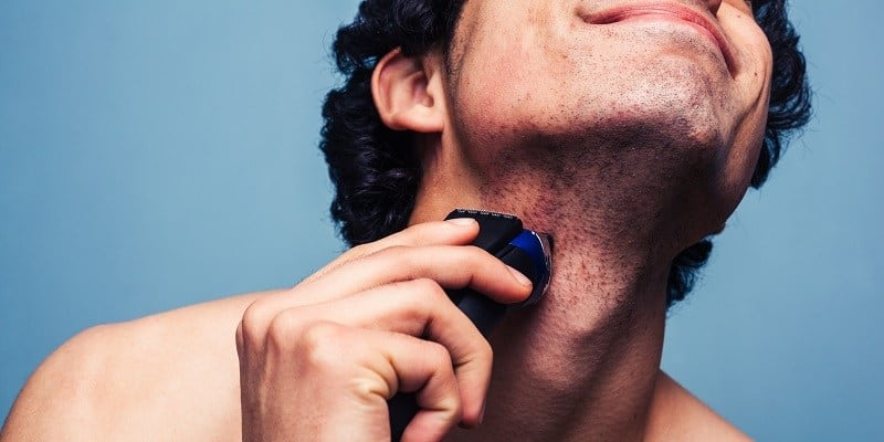 Advantages and Disadvantage of Using an Electric Shaver