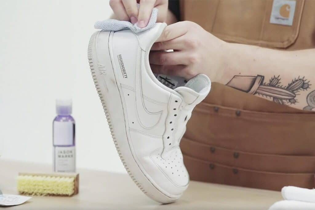 Applying Whitener, Eraser, or Shampoo for Tough Stains